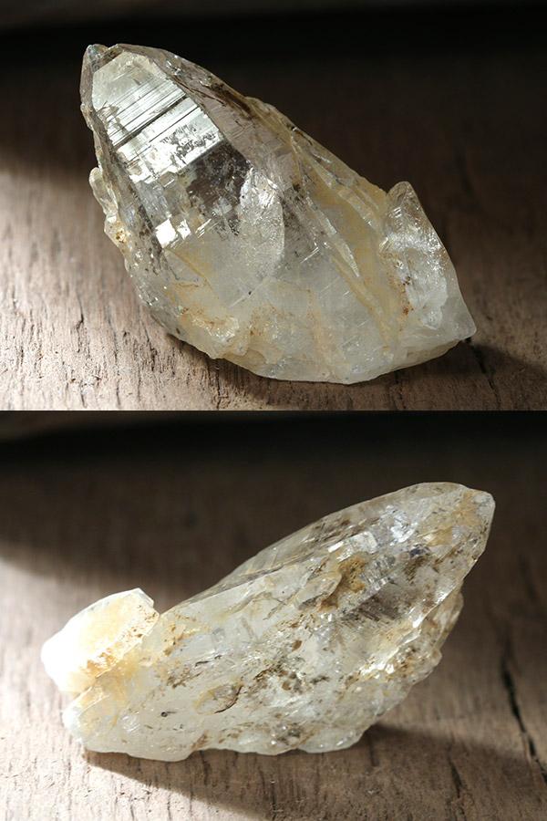 【ガネーシュヒマール・ティップリン産】ヒマラヤ水晶・ポイント原石